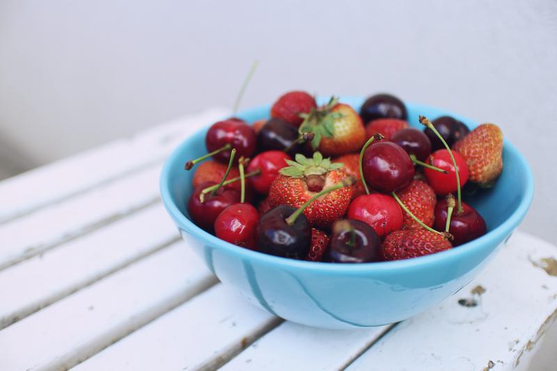 Wiśnie, truskawki i czereśnie