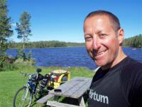 """Dominik Dobrowolski i rowerowa wyprawa dookoła Bałtyku """"Cycling-Recycling"""""""