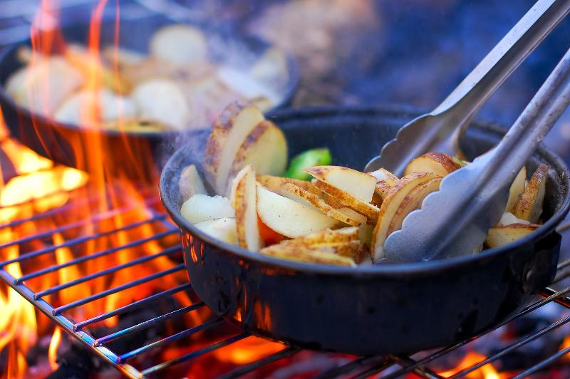 Jak jeść smacznie i zdrowo na kempingu?
