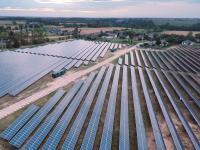 Pod Toruniem została uruchomiona największa w Polsce farma fotowoltaiczna