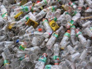 Obowiązkowa kaucja za plastikowe butelki?