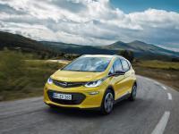 Opel zwiększa zasięg samochodów elektrycznych