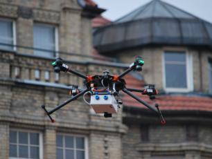 Drony sprawdzą, co spalamy w piecach