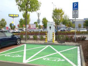 Otwarto pierwszą stację ładowania pojazdów elektrycznych