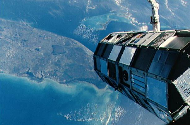 By NASA (http://nix.ksc.nasa.gov/info?id=STS41C-02-067) [Public domain], via Wikimedia Commons