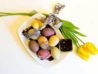 Jak farbować jajka za pomocą herbaty?