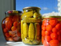 Poznaj tajniki kiszenia i marynowania warzyw - nowa książka