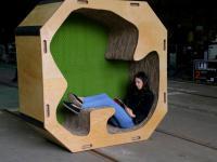 Wygodne i tanie ‒ studenci zaprojektowali meble z papieru