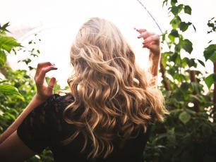 Piękne włosy dzięki naturalnym składnikom i kosmetykom? Oczywiście!