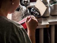 Mniej kupuj, więcej naprawiaj. Wywiad z Martyną Zastawną z WoshWosh