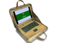 Drewniany laptop Fujitsu