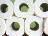 Biurowa, biała koza przerobi zużyty papier