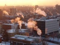 Ruszył sezon grzewczy. Biomasa, ogrzewanie solarne czy ekologiczny węgiel – co wybrać?