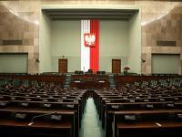Sejm lekką ręką wyrzucił miliardy złotych w błoto