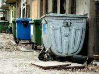 Jak  zróżnicowane są opłaty śmieciowe?