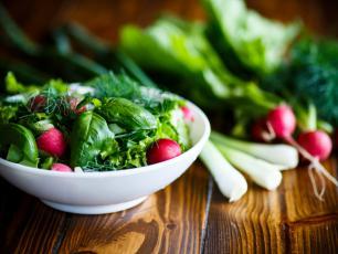 Wiosenne nowalijki – samo zdrowie?