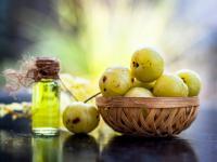 Olejek z amli – właściwości i działanie. Jak stosować olejek z amli?