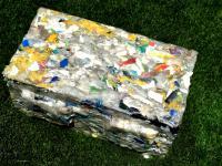 Cegły z morskich odpadów