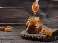 Przepis na w 100% wegański sos karmelowy z solą