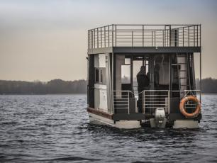 Houseboat – transport i hotel w jednym