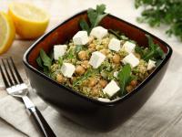 Sałatka z komosy ryżowej i ziół