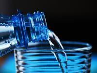 Wyniki kontroli UOKiK ‒ uwaga na wodę mineralną!