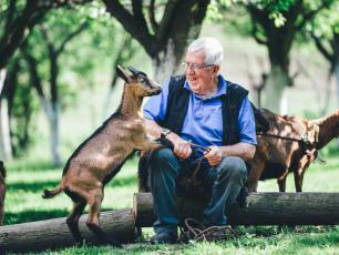 Kozy wolą szczęśliwych ludzi