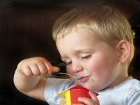 Jogurty zawierają więcej cukru niż cola!