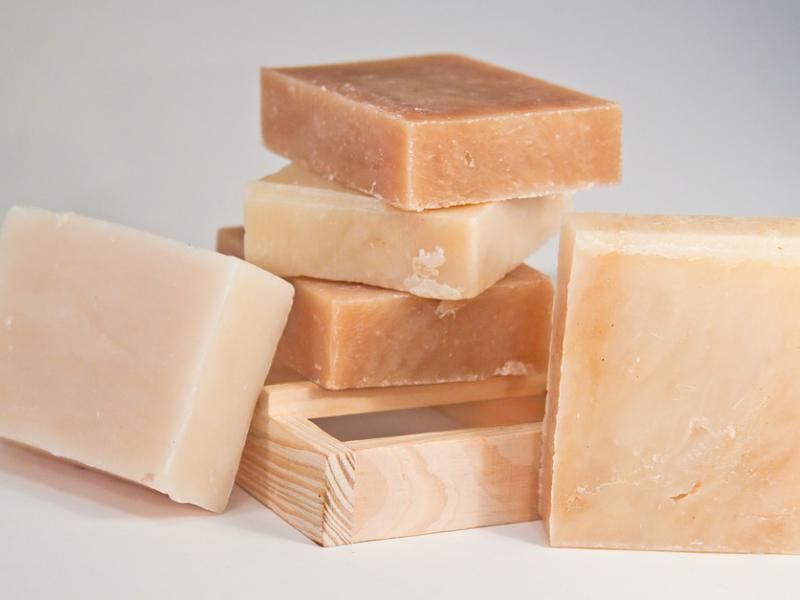 Мыло ручной работы из натуральных ингредиентов;  источник: pixabay.com
