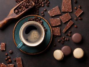 Piękni i młodzi dzięki czekoladzie, kawie i herbacie