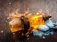 Olejek kamforowy - chłodzi i rozgrzewa, uzdrawia i truje