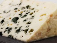Ser Roquefort – właściwości, skład i zastosowanie sera Roqueforta