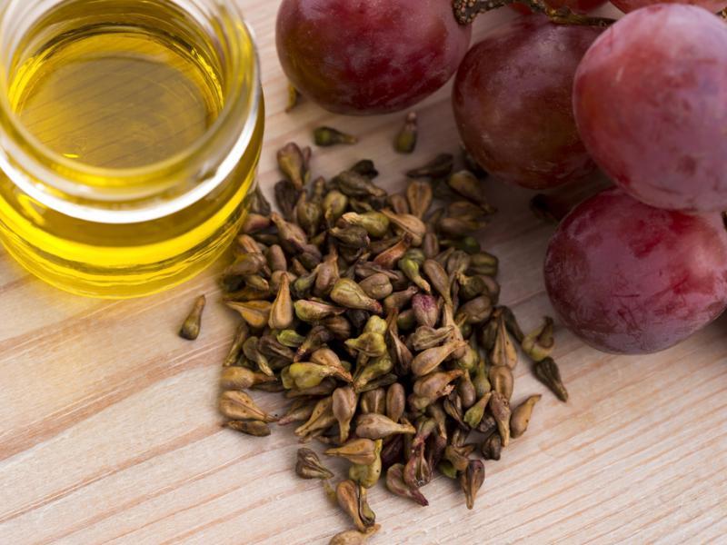 Масло виноградных косточек, фото shutterstock