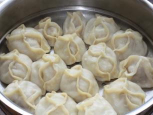 Pierogi manty - smaczny i sycący przysmak z Turcji