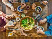 Polacy rezygnują z jedzenia mięsa
