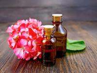 Olejek geraniowy - właściwości i działanie. Jak stosować olejek geraniowy?