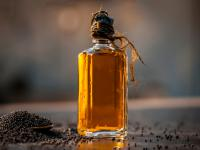 Olej gorczycowy (musztardowy) – właściwości i działanie. Jak stosować olej gorczycowy?