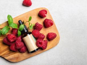 Olejek z pestek malin – panaceum dla suchej i trądzikowej cery