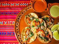 Tacos ‒ właściwości i skład. Przepis na meksykańskie tacos
