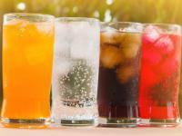 Już 2 szklanki słodzonych napojów dziennie zwiększają ryzyko śmierci