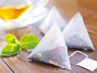 Torebki uwalniają plastikowe cząsteczki do herbaty