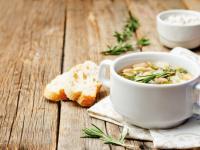Zupa fasolowa – sposób na sycący obiad
