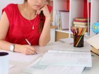 Eseje zamiast wypracowań: jak odróżnić