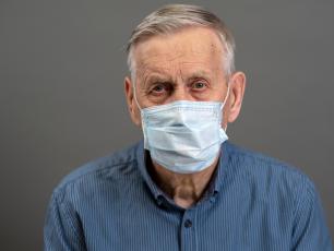 Jak wspierać seniorów w okresie epidemii koronawirusa?