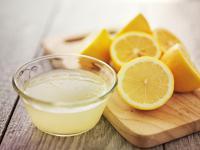 Jak wykorzystać sok z cytryny dla zdrowia i urody?