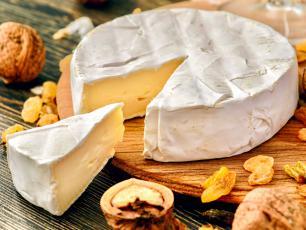 Popularny przysmak nie dla wszystkich. Co warto wiedzieć o camembercie?