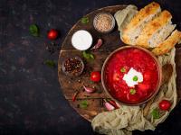 Barszcz ukraiński – zupa, która zaskakuje smakiem i historią