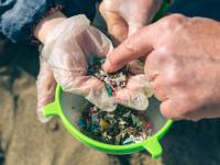 Tysiące ton mikroplastików spada z nieba