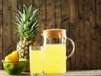 Egzotyczny zastrzyk zdrowia. Dlaczego warto pić sok z ananasa?