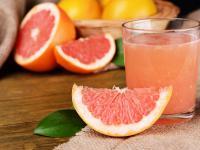 Sok grejpfrutowy – wykwintny przysmak, ale nie dla wszystkich!